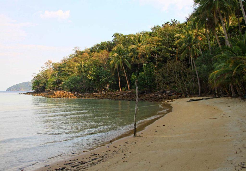 Île de Koh Wai dans mon article Quelle île de Thaïlande choisir : Nos 9 préférées connues et moins connues #thailande #asiedusudest #asie #ile #voyage #plage #plageparadisiaque #mer #kohwai