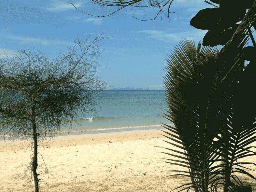 Île de Koh Lanta dans mon article Quelle île de Thaïlande choisir : Nos 9 préférées connues et moins connues #thailande #asiedusudest #asie #ile #voyage #plage #plageparadisiaque #mer #kohlanta