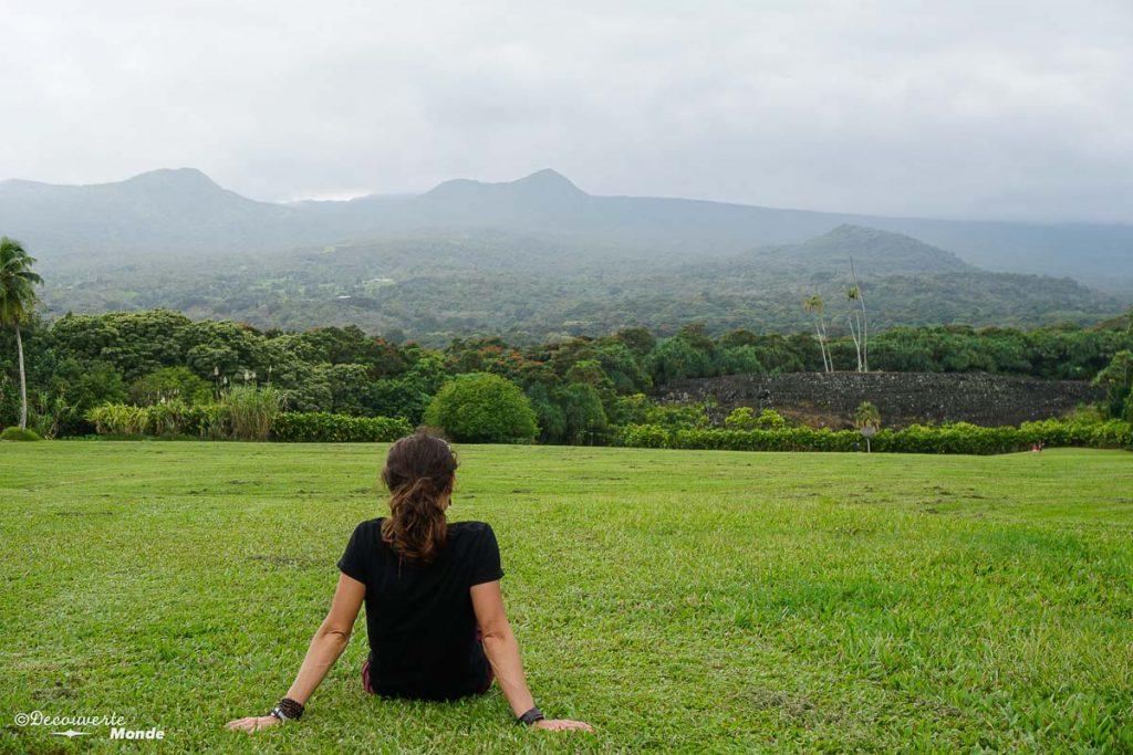 Temple polynésien sur la Hana Road à Maui à Hawaii dans mon article Maui à Hawaii : Que faire en 10 jours de road trip sur l'île de Maui #maui #hawaii #hawai #etatsunis #usa #voyage