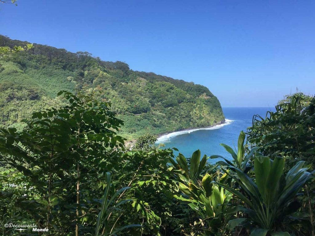 Baie d'Honomanu sur la Hana Road à Maui à Hawaii dans mon article Maui à Hawaii : Que faire en 10 jours de road trip sur l'île de Maui #maui #hawaii #hawai #etatsunis #usa #voyage