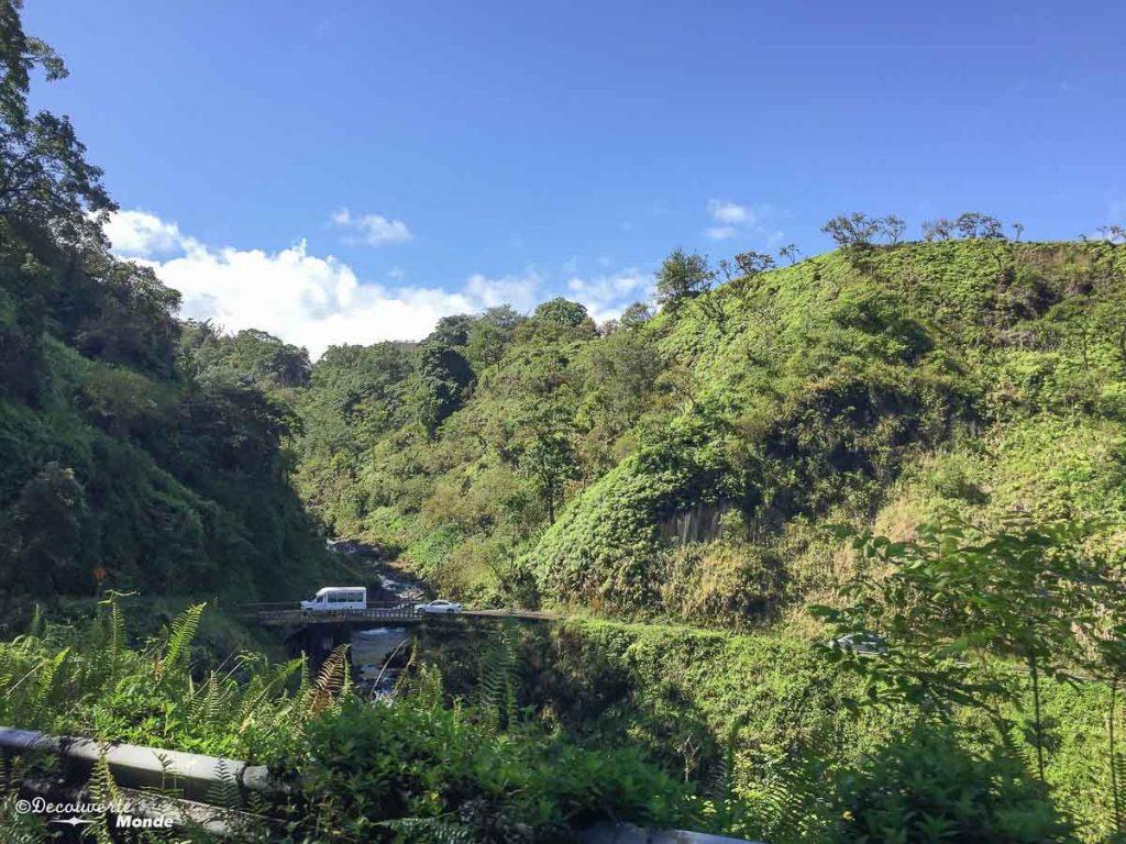 Sur la Hana Road à Maui à Hawaii dans mon article Maui à Hawaii : Que faire en 10 jours de road trip sur l'île de Maui #maui #hawaii #hawai #etatsunis #usa #voyage #hanaroad