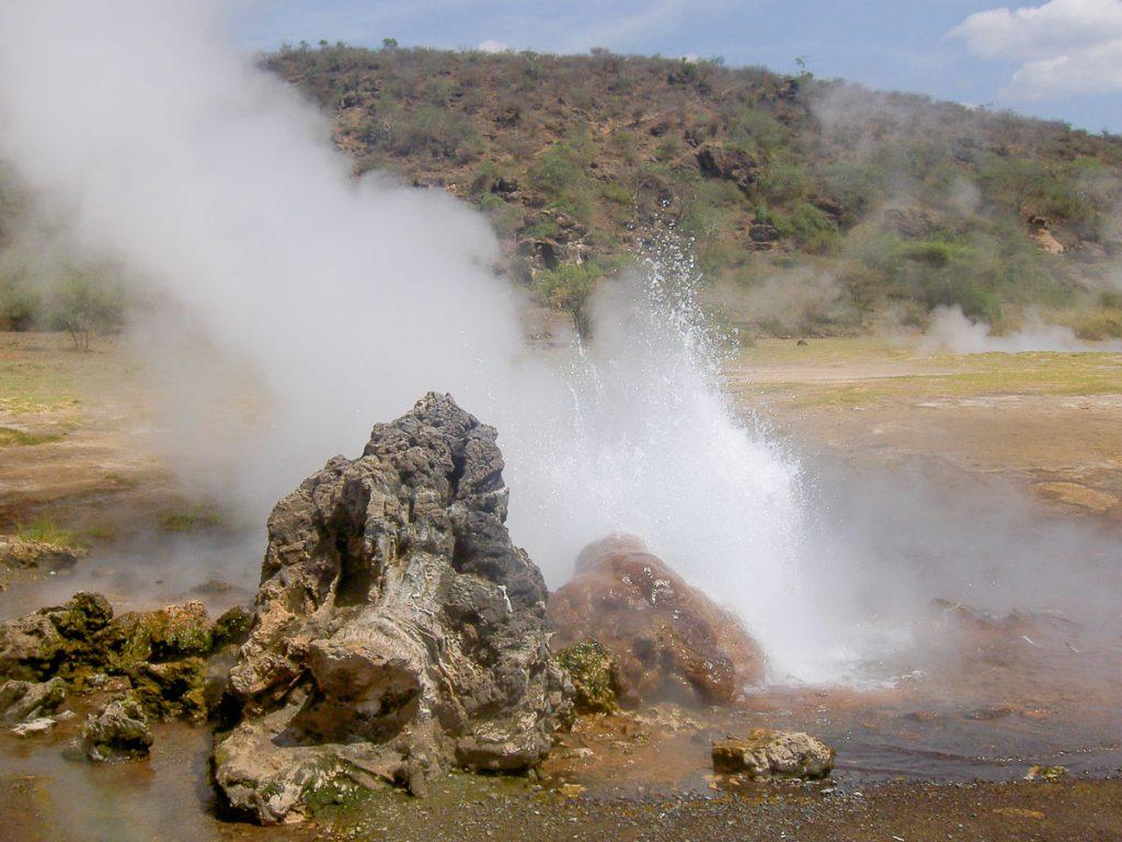 Source d'eau chaude au lac Bogorio dans mon article Safari au Kenya pas cher : Comment le faire en indépendant dans 5 réserves #kenya #safari #afrique #voyage #animaux #bogorio