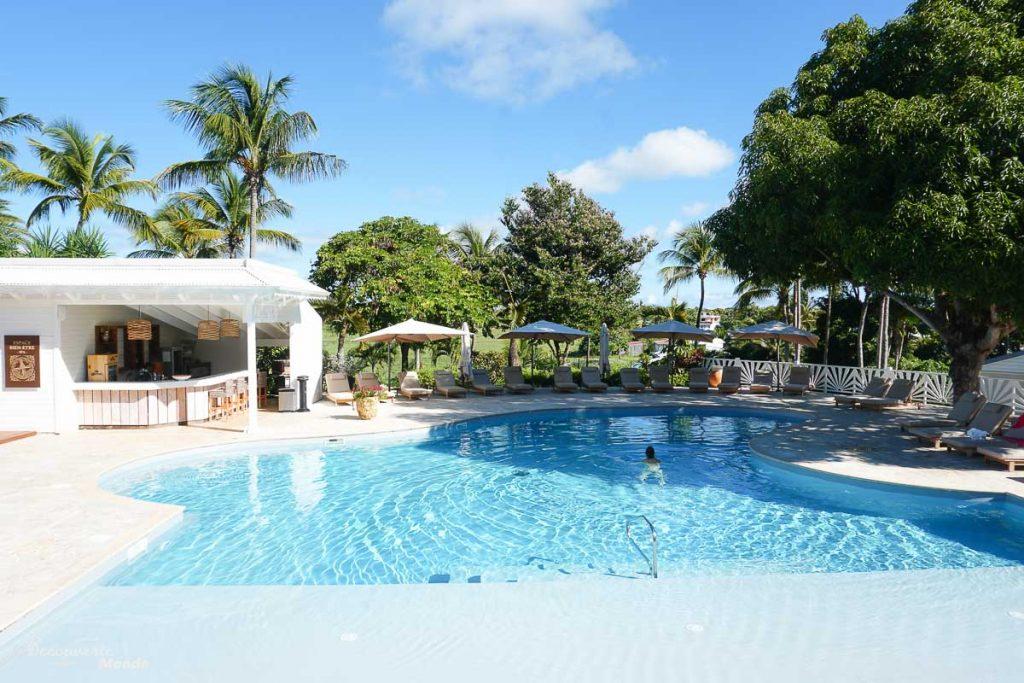 Bel hôtel en Guadeloupe dans mon article Quand partir en Guadeloupe selon le climat, les fêtes et le coût du voyage #guadeloupe #antilles #caraibes #ile #voyage #hotel