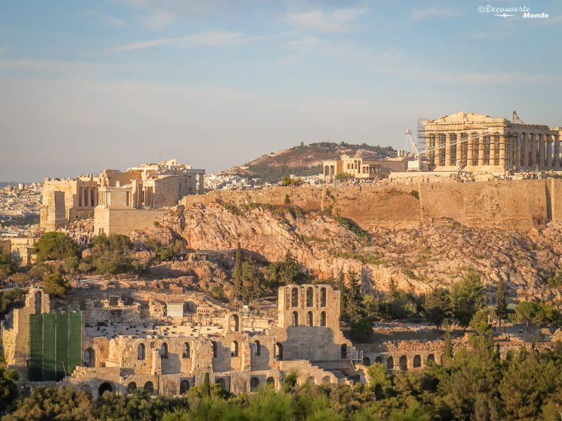 Vue sur l'Acropole d'Athènes dans mon article Visiter Athènes en Grèce : Que faire et voir le temps d'un week-end #athenes #athens #acropole #panthenon #voyage #grece #histoire #greceantique #antiquite #patrimoine #unesco