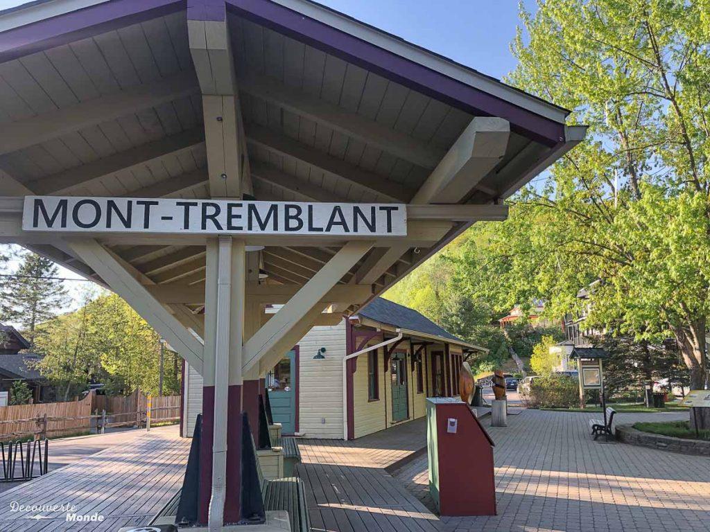 L'ancienne gare de Tremblant dans mon article Mon voyage au Mont-Tremblant en bus : Visiter Mont-Tremblant sans voiture #monttremblant #tremblant #laurentides #quebec #quebecoriginal #experiencebusbud #vieuxtremblant