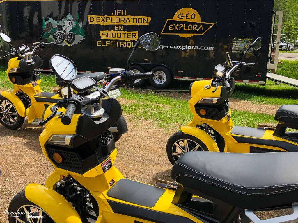 En scooter électrique avec Géo-Explora au Mont-Tremblant dans mon article Mon voyage au Mont-Tremblant en bus : Visiter Mont-Tremblant sans voiture #monttremblant #tremblant #laurentides #quebec #quebecoriginal #experiencebusbud #geoexplora #scooter