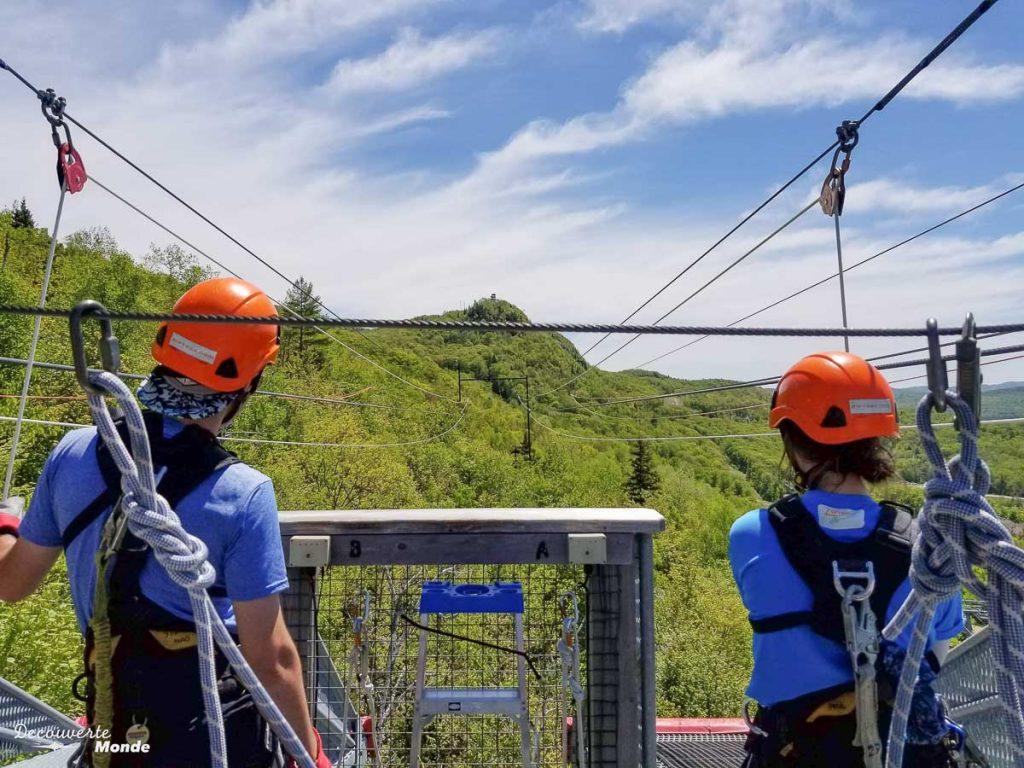 Nos guides pour l'activité Ziptrek à Mont-Tremblant dans mon article Mon voyage au Mont-Tremblant en bus : Visiter Mont-Tremblant sans voiture #monttremblant #tremblant #laurentides #quebec #quebecoriginal #experiencebusbud #ziptrek #tyrolienne #zipline