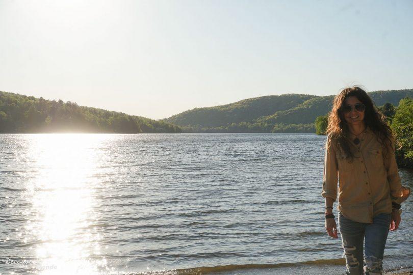Le lac Mercier dans le vieux village de Tremblant dans mon article Mon voyage au Mont-Tremblant en bus : Visiter Mont-Tremblant sans voiture #monttremblant #tremblant #laurentides #quebec #quebecoriginal #experiencebusbud #vieuxtremblant #lac