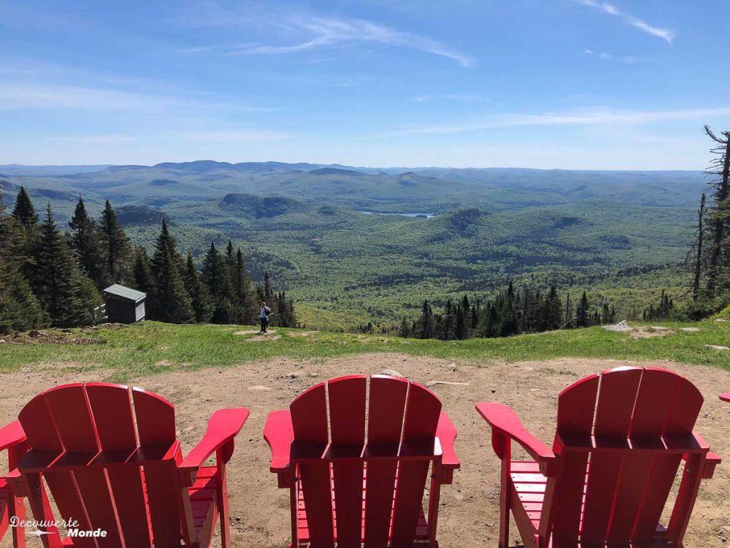 Au sommet du mont Tremblant dans mon article Mon voyage au Mont-Tremblant en bus : Visiter Mont-Tremblant sans voiture #monttremblant #tremblant #laurentides #quebec #quebecoriginal #experiencebusbud #montagne