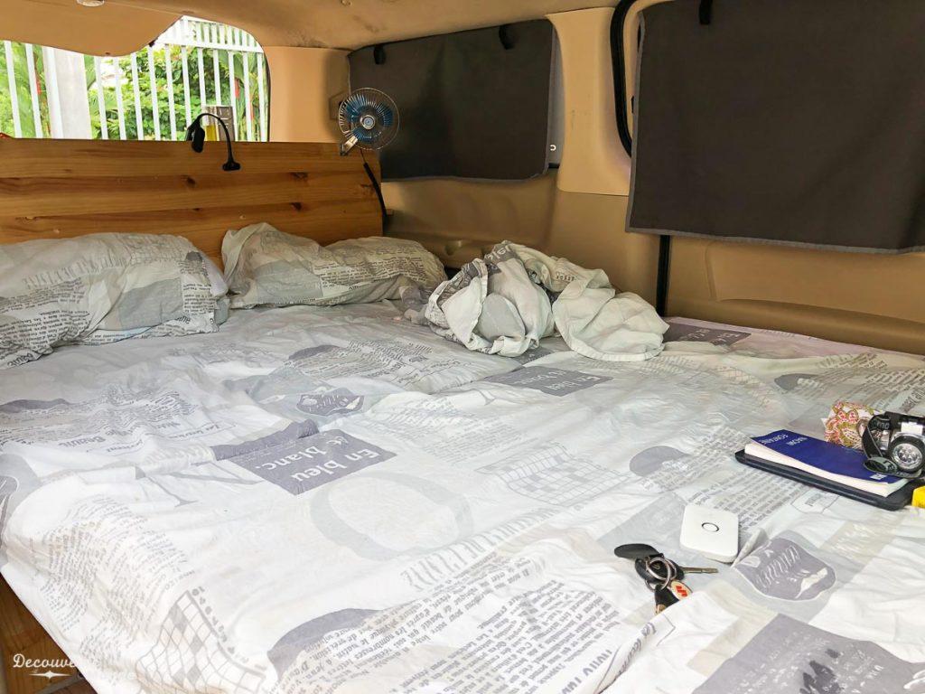 Intérieur du campervan de Costa Rider au Costa Rica dans mon article Campervan au Costa Rica : Mes conseils pour un road trip au Costa Rica #costarica #voyage #campervan #van #vanlife #roadtrip