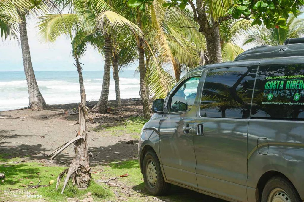La van de Costa Rider Campervan au Costa Rica dans mon article Campervan au Costa Rica : Mes conseils pour un road trip au Costa Rica #costarica #voyage #campervan #van #vanlife #roadtrip