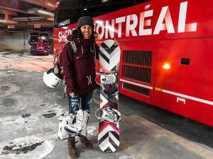 Montréal-Bromont en bus pour une journée de ski au Mont Bromont dans mon article Mont Bromont en bus : Ma journée sans voiture à la station de ski Bromont #Bromont #ski #skimontbromont #montbromont #montagne #snowboard #cantonsdelest #experiencebusbud #quebec #canada