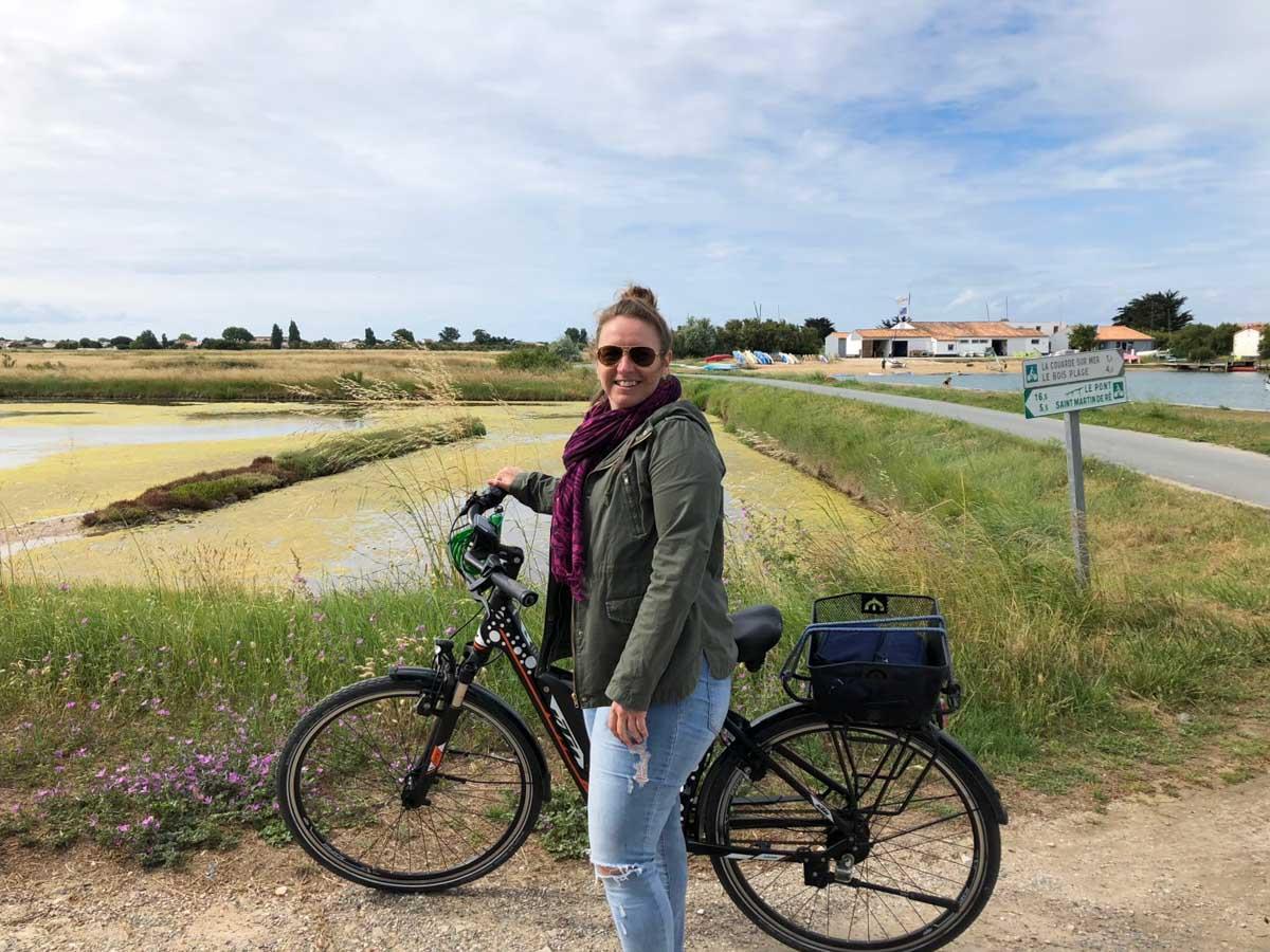 À vélo sur l'île de Ré en Nouvelle-Aquitaine dans mon article Région de Nouvelle-Aquitaine en France en 12 incontournables à visiter #nouvelle-aquitaine #france #europe #voyage