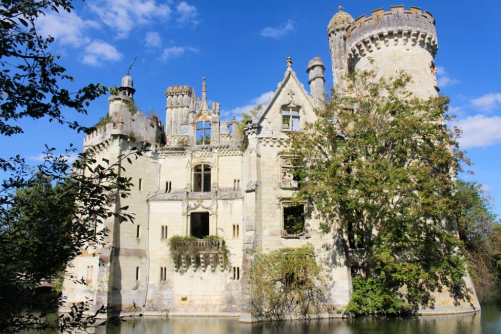Le château Mothe Chandeniers en Nouvelle-Aquitaine dans mon article Région de Nouvelle-Aquitaine en France en 12 incontournables à visiter #nouvelle-aquitaine #france #europe #voyage