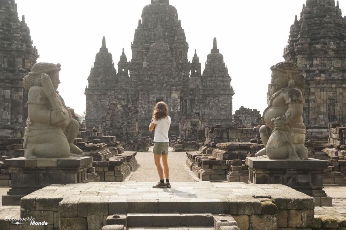 Temple Sewu à Prambanan à Java dans mon article Que faire à Java, voir et visiter : Mes 10 incontournables #java #indonesie #voyage #asiedusudest #asie #prambanan #temple #unesco