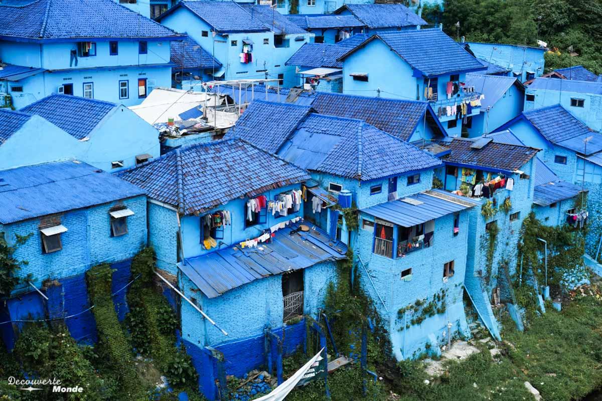Village bleu de Kampung Tridi Kesatrian à Malang à Java dans mon article Que faire à Java, voir et visiter : Mes 10 incontournables #java #indonesie #voyage #asiedusudest #asie #malang