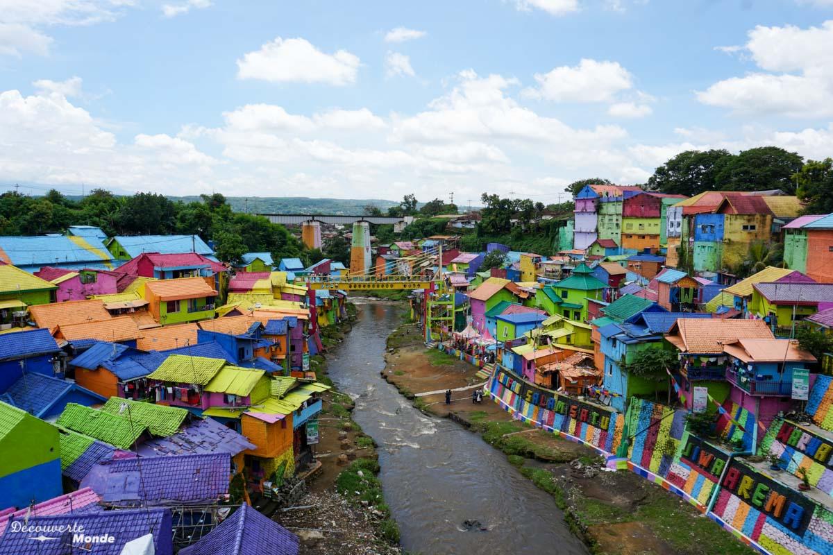 Village multicolore Kampung Warna Warni Jodipan à Malang à Java dans mon article Que faire à Java, voir et visiter : Mes 10 incontournables #java #indonesie #voyage #asiedusudest #asie #malang