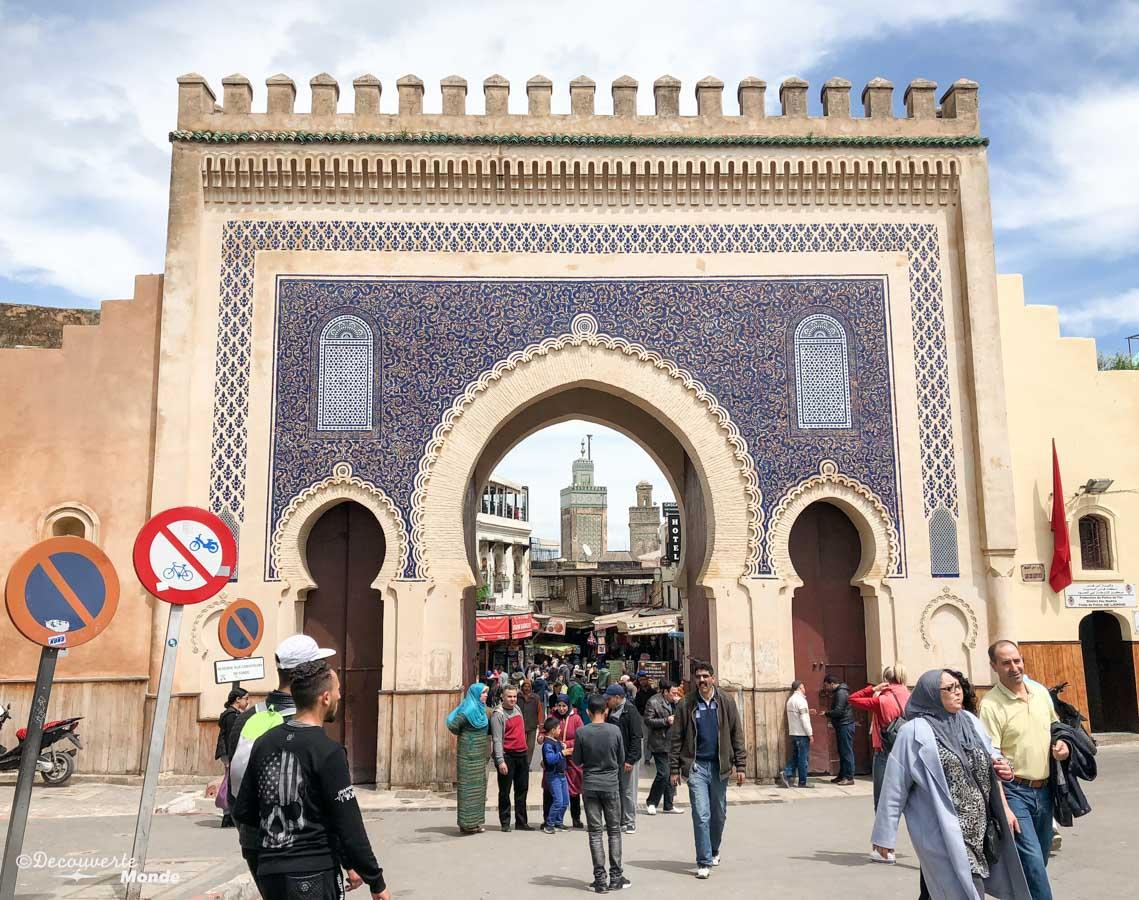 Porte bleue Boujloud de la Médina de Fès dans notre article Visiter Fès au Maroc : Découverte de sa vieille-ville, la Médina de Fès #fes #maroc #medina #voyage #maghreb #unesco